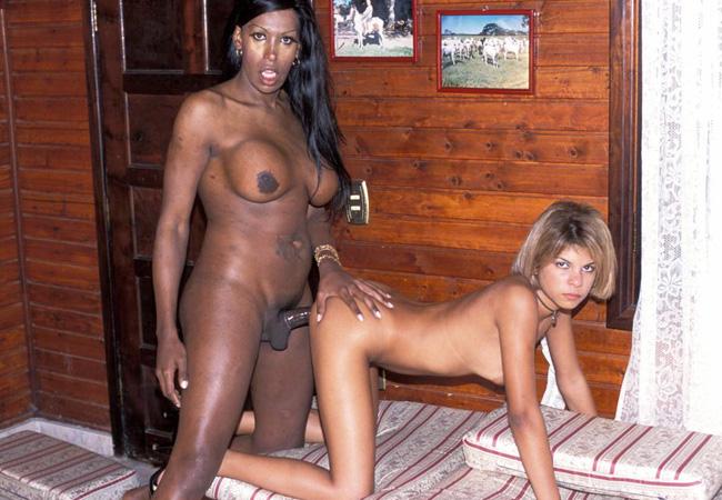 Horny Black Tranny Loves Blonde Girls