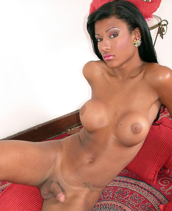 Pamella Mikelly Showing Off Her Cock